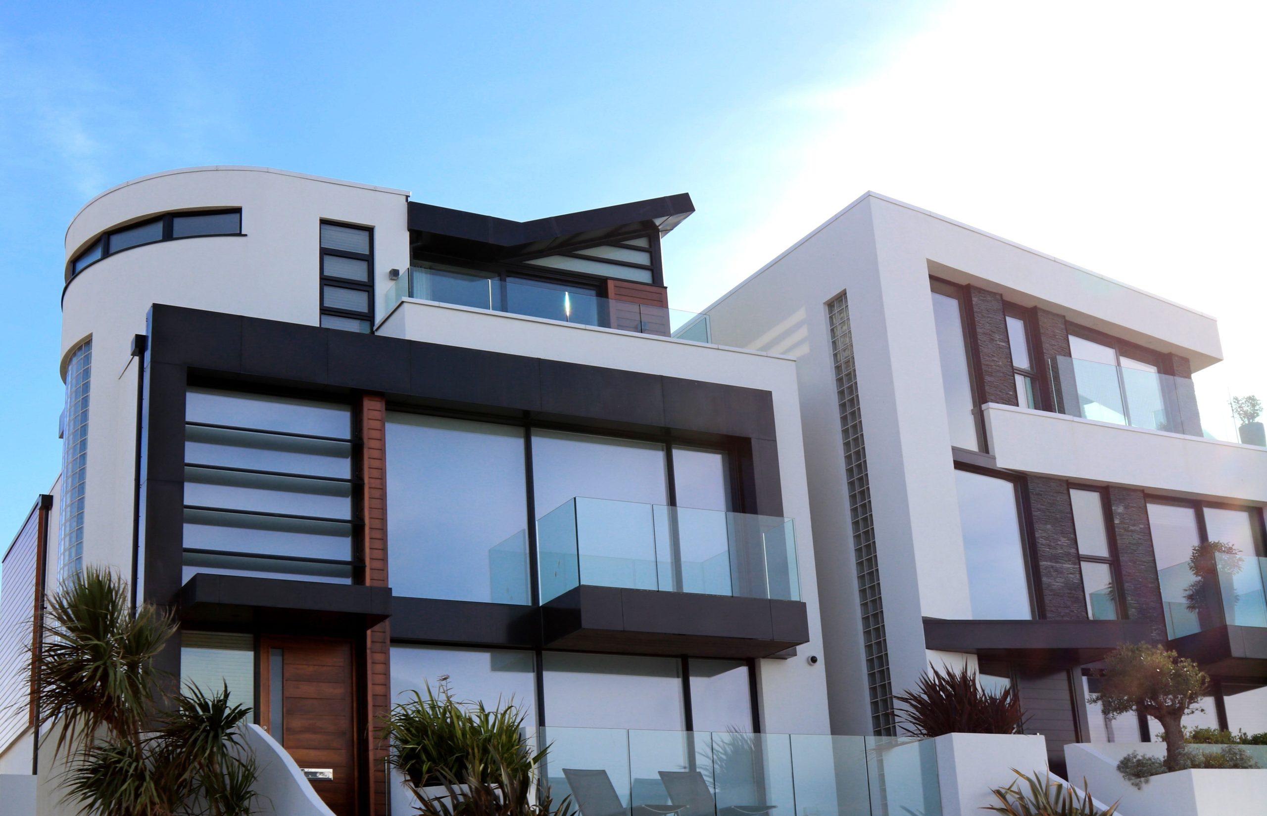maison moderne avec toit plat