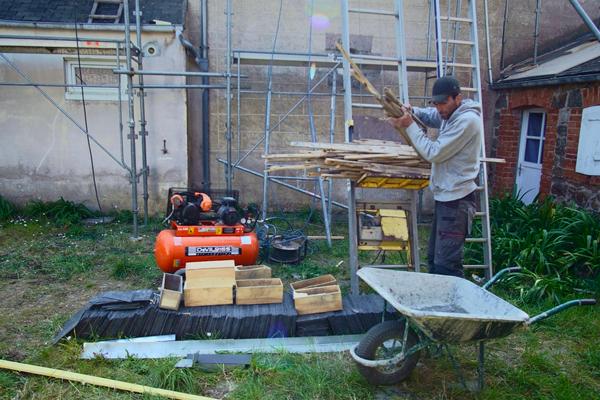 Dépose et enlèvement des matériaux de toiture ardoise